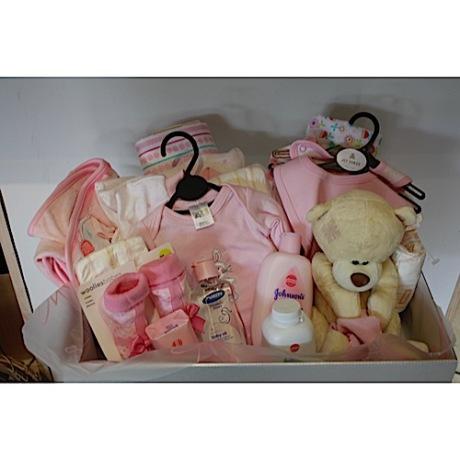 20141212080753_Baby Hamper – R900,00