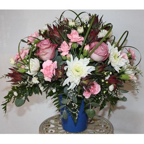 20150121072758_Pretty-posy-arrangement-R300