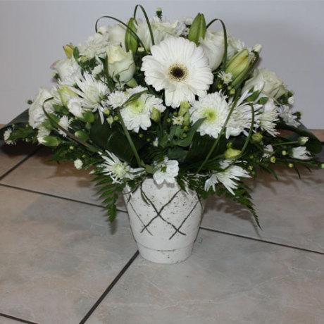 20150128090916_white-arrangement