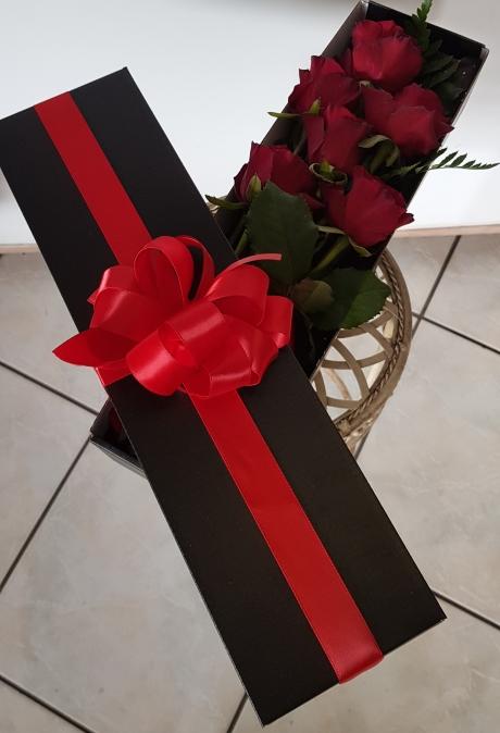 valentine red rose box